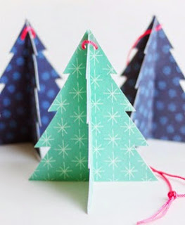 http://translate.googleusercontent.com/translate_c?depth=1&hl=es&prev=search&rurl=translate.google.es&sl=en&u=http://ohhappyday.com/2014/12/printable-holiday-tree-ornaments/&usg=ALkJrhjWqBcrPb2sM9qBeoXZIEpby5xaOw#more-29267