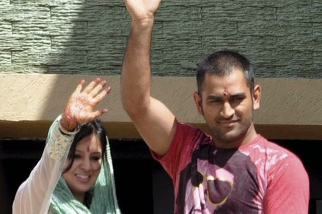 Dhoni Baby Girl Photos