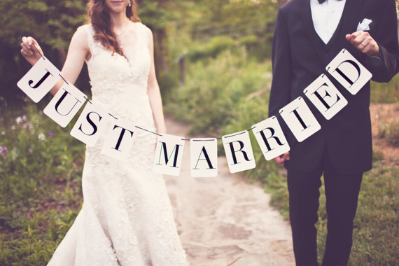 radical possibility: DIY Just Married Banner