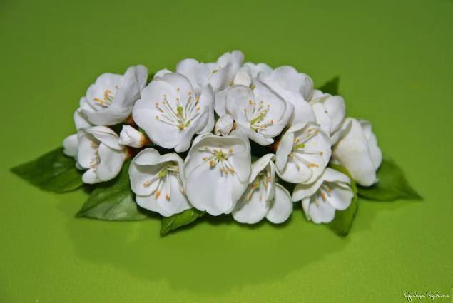 Цветущая вишня из полимерной глины