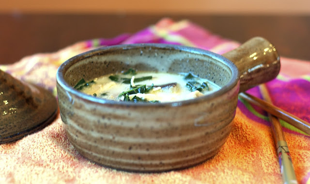 thai coconut chicken soup: simplelivingeating.com