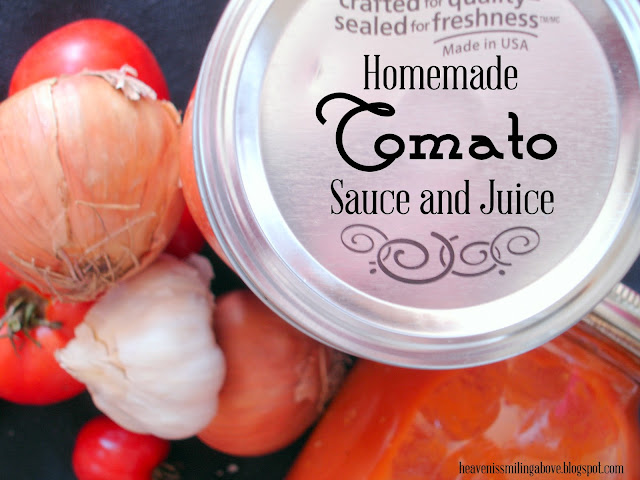 Homemade Tomato Sauce and Juice Make the best tomato sauce and tomato juice you have ever had with this ultra easy recipe. It's perfect for pasta or soup! Heaven is Smiling Above heavenissmilingabove.blogspot.com #tomato #sauce #juice #pasta #soup