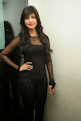 Shruti Haasan at Yevadu App Launch event-thumbnail-5