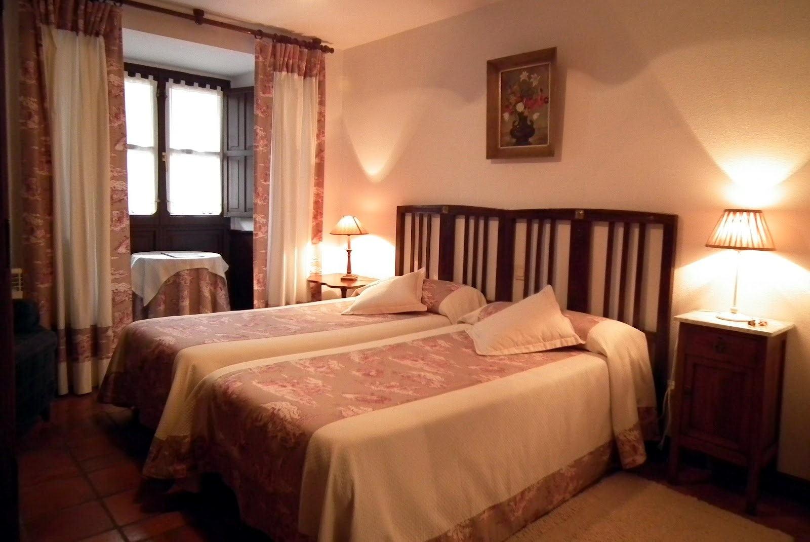 Posada de mu o habitaciones for Habitaciones con dos camas