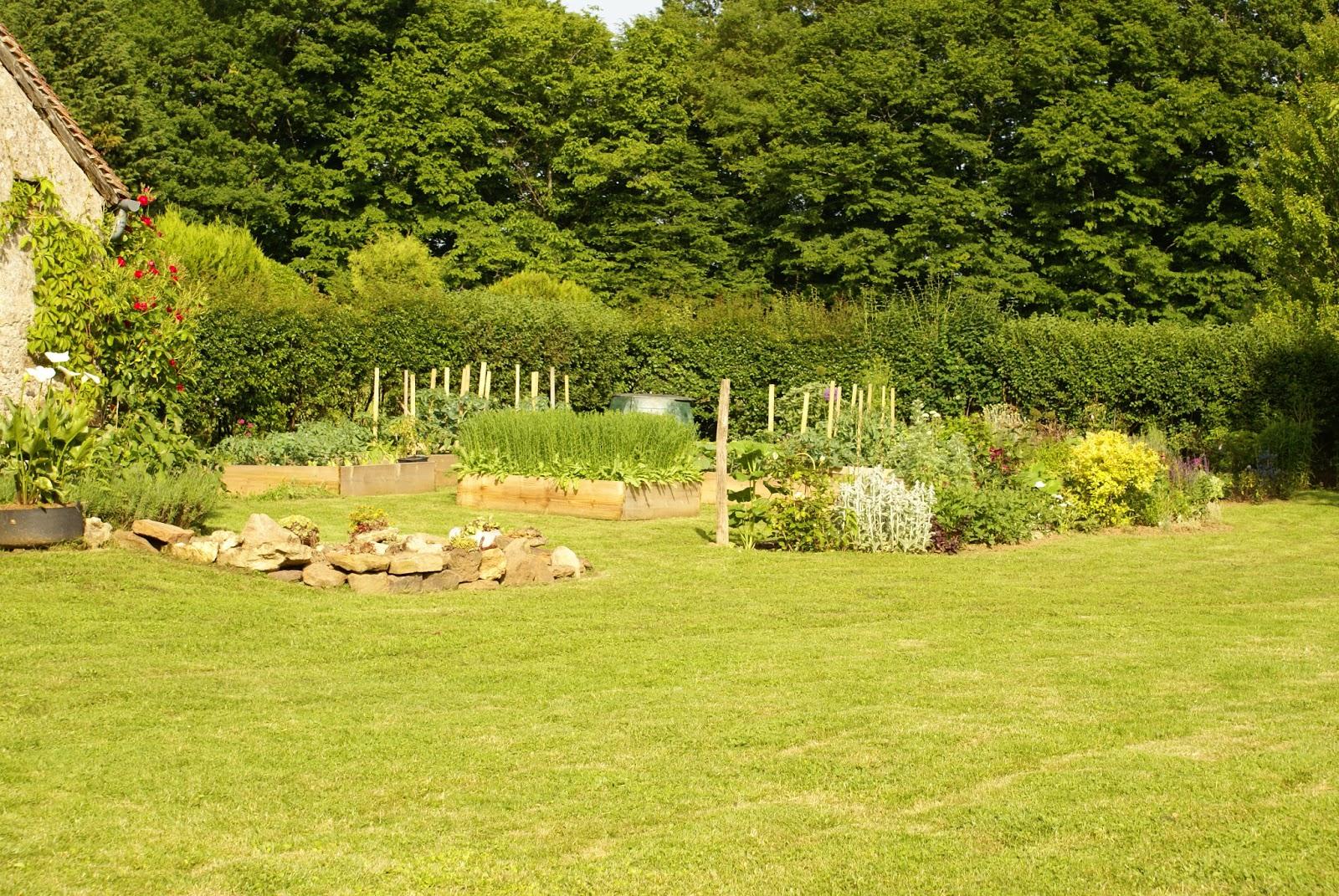 le jardin d 39 alecs vue d 39 ensemble jardin et potager 2. Black Bedroom Furniture Sets. Home Design Ideas