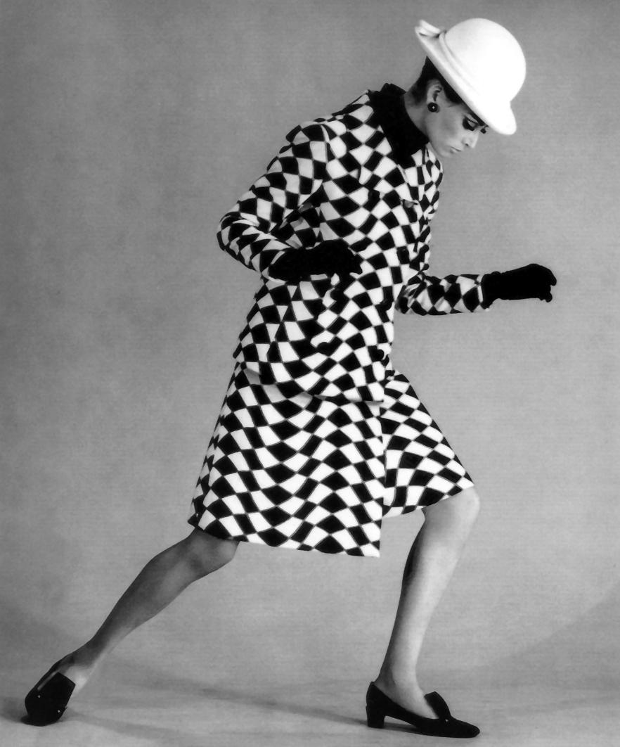 Black And White Graphic Prints Illusion Fashion