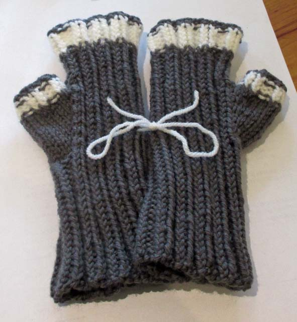 Double Knit Mittens Free Pattern : BeadBag: Fingerless Mittens - double knitting yarn - Free Pattern