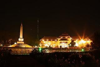 Travel Malang Juanda - Travel Malang Surabaya - Travel Malang Madiun - Travel Malang Kediri - Travel Malang Bojonegoro - Travel Malang Jombang - Balai Kota Malang, Jawa Timur, Indonesia.