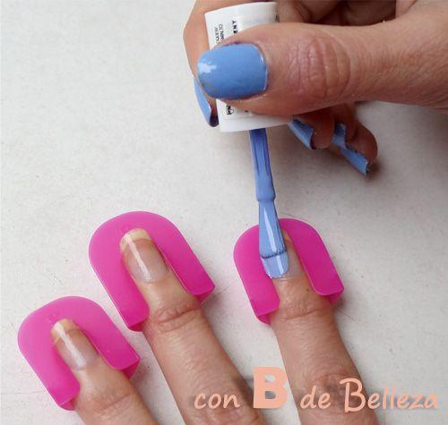 No salirse al pintarse las uñas en casa