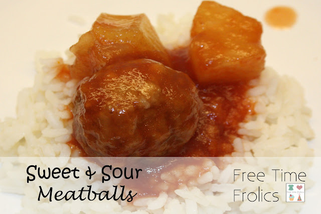 Sweet and Sour Meatballs via Free Time Frolics Freezer meal #Crockpot #freezermeal