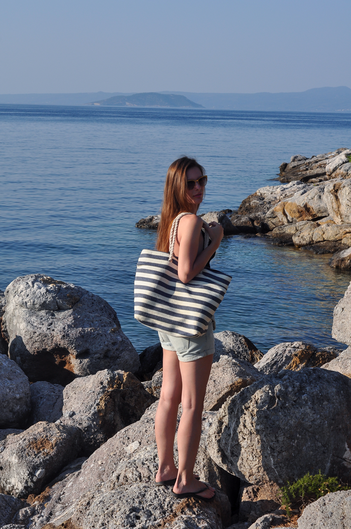 aleksandra skorupan, velvet and milk blog, greece, beach style