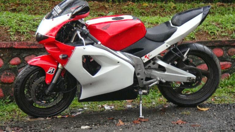 modifikasi motor honda mega pro ala moto gp