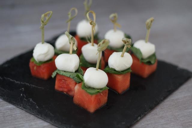 On dine chez nanou petites brochettes pour l 39 ap ritif past que menthe mozzarella - Brochettes aperitives sans cuisson ...