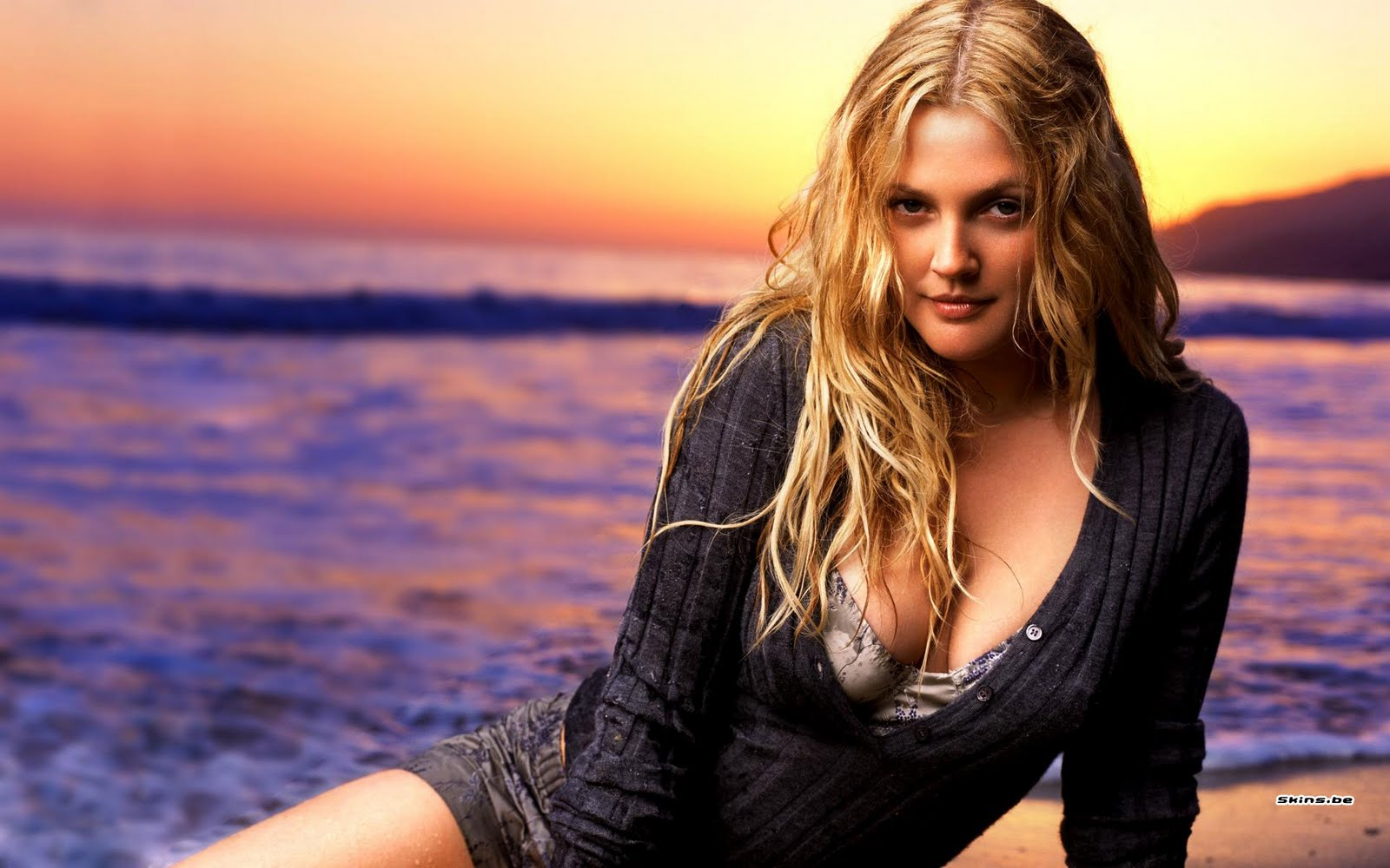 Cleavage Drew Barrymore naked (48 foto and video), Pussy, Is a cute, Boobs, swimsuit 2006