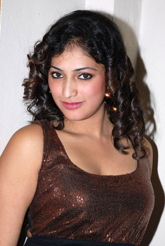 Hari Priya Hot Stills at Pilla Zamindar Audio Event Hari Priya Spicy Photos hot images