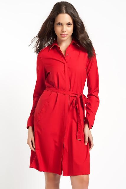 kırmızı kemerli elbise, kısa elbise, düğmeli elbise