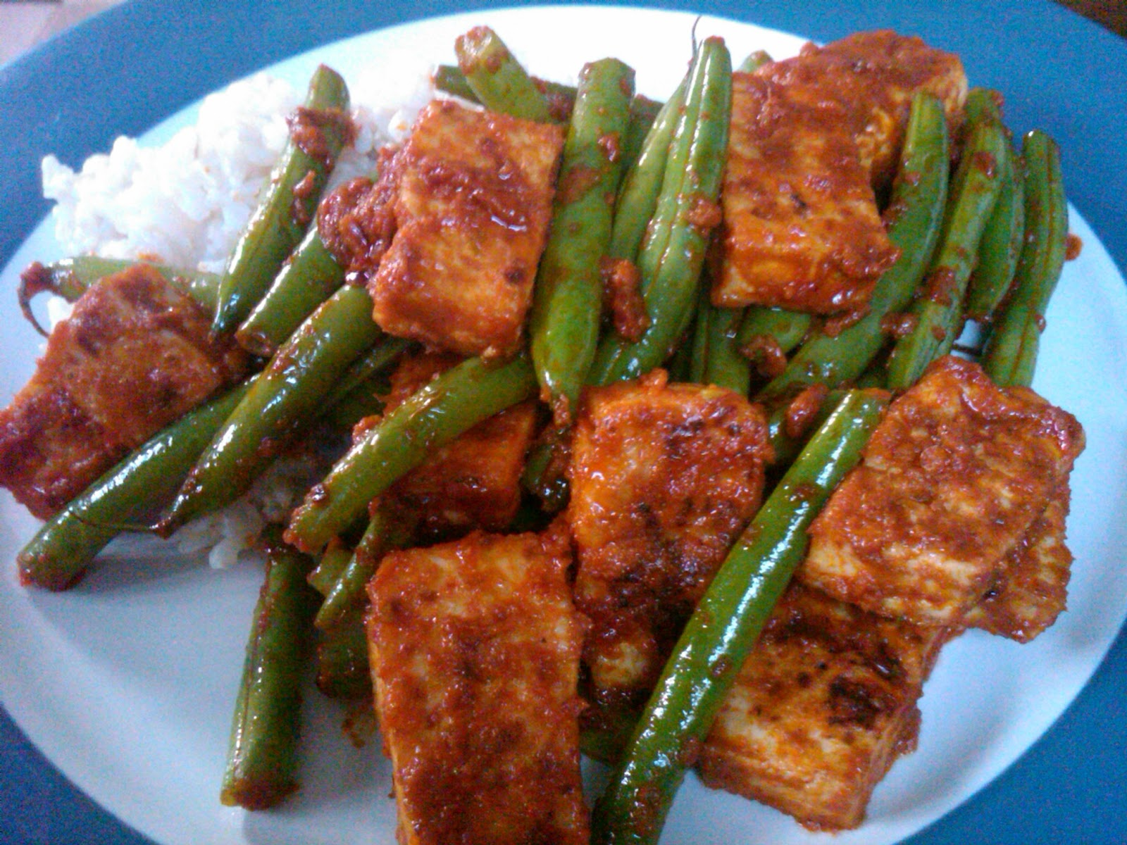 Legally Delicious: Spicy Thai Tofu and Green Beans