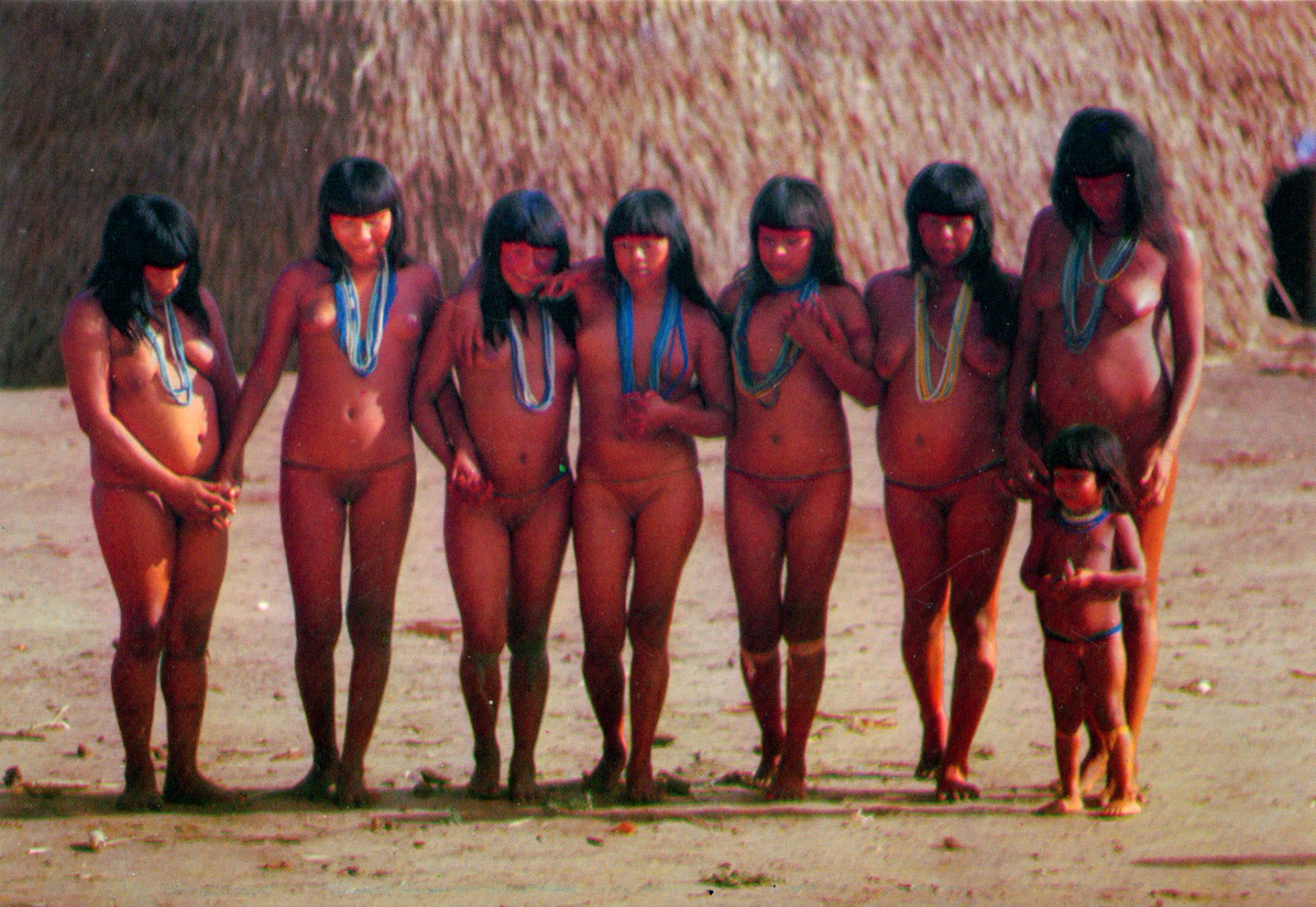 xingu women 0956 BRAZIL (Mato Grosso) - The female ritual of Yamurikumã