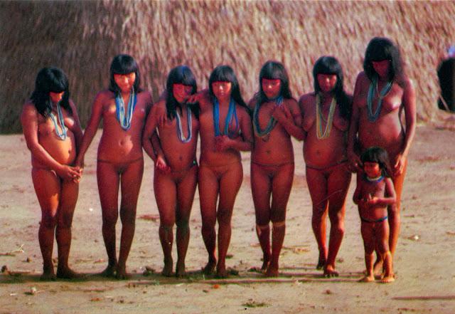 Голые девушки племени фото