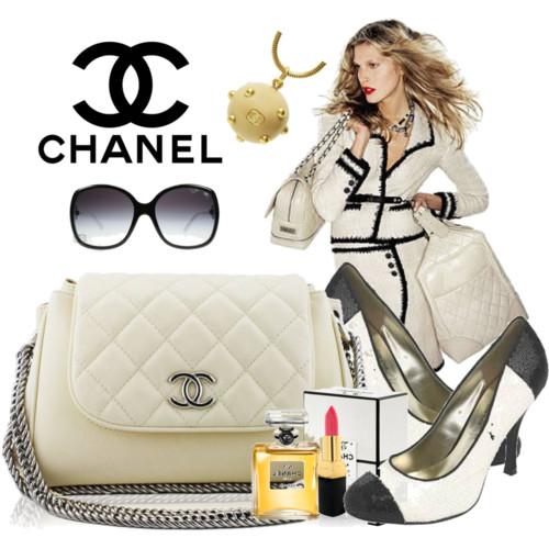 http://3.bp.blogspot.com/-IQNdxg4xQZs/Tax8D33NwjI/AAAAAAAAARQ/1xLKpc_AFUw/s1600/Chanel+Shoes+and+Bag+Collection+2011+3.jpg