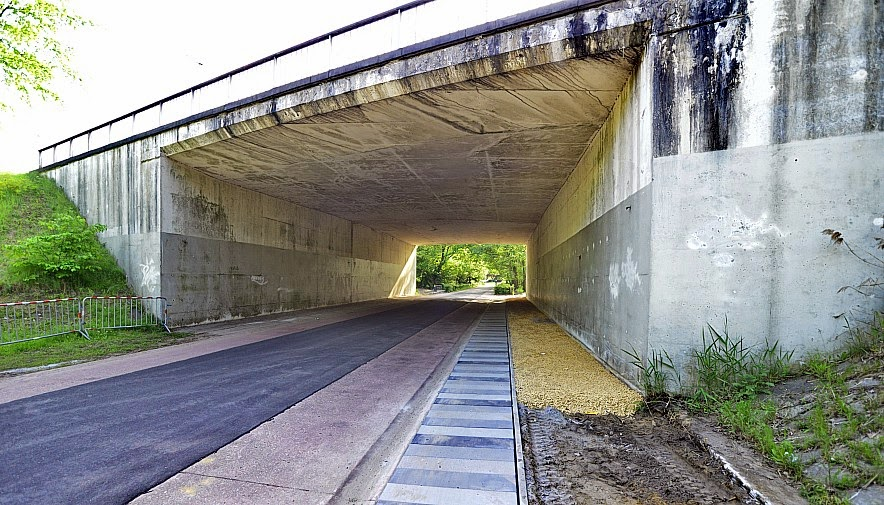 De tunnel/brug dichtbij Kattevennen vóór de werken