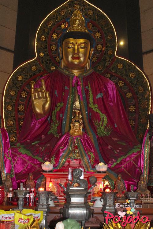 patung dewa di Semarang
