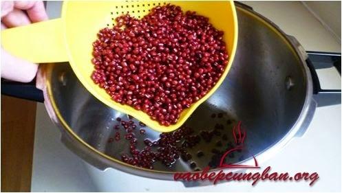 Hướng dẫn nấu chè đậu đỏ ngon mềm đơn giản nhất 2
