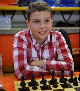 Quentin Burri réalise un bon tournoi avec 6 points sur 8 dans la catégorie des moins de 12 ans - Photo © FFE