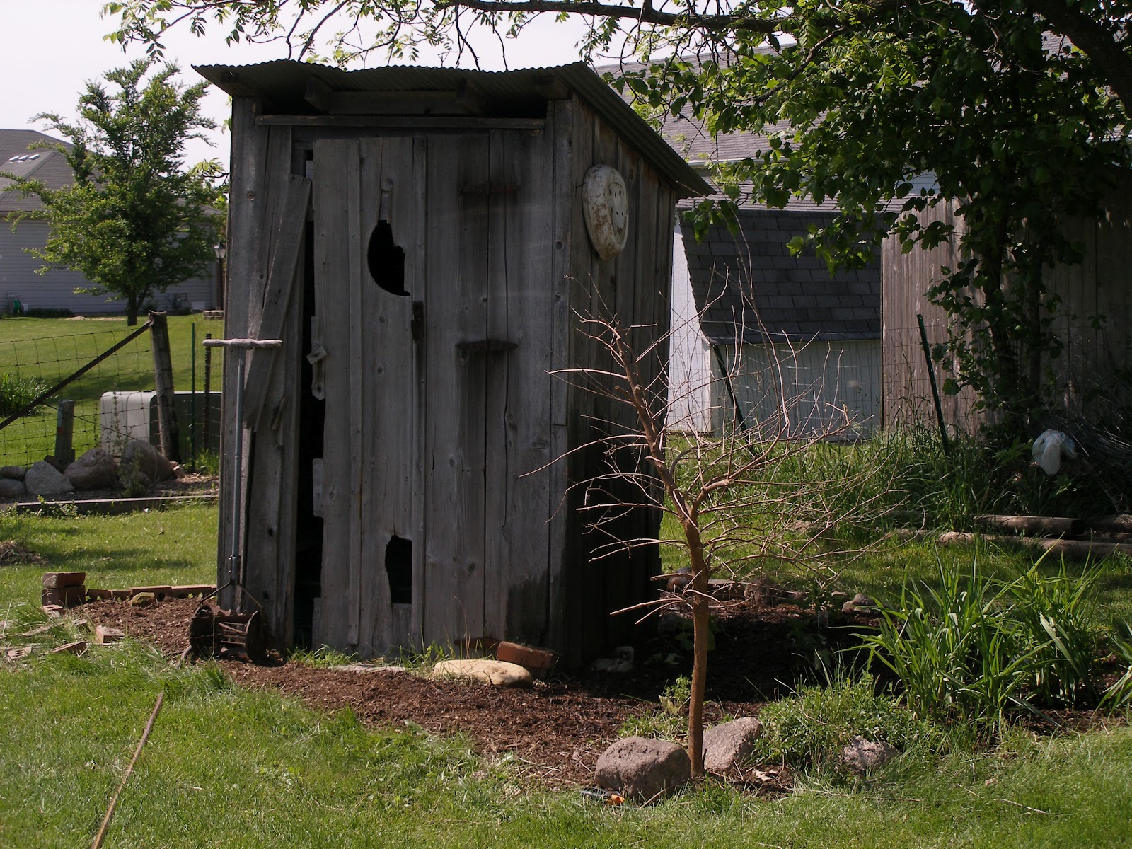 The Stone House Primitives: The Outhouse Garden