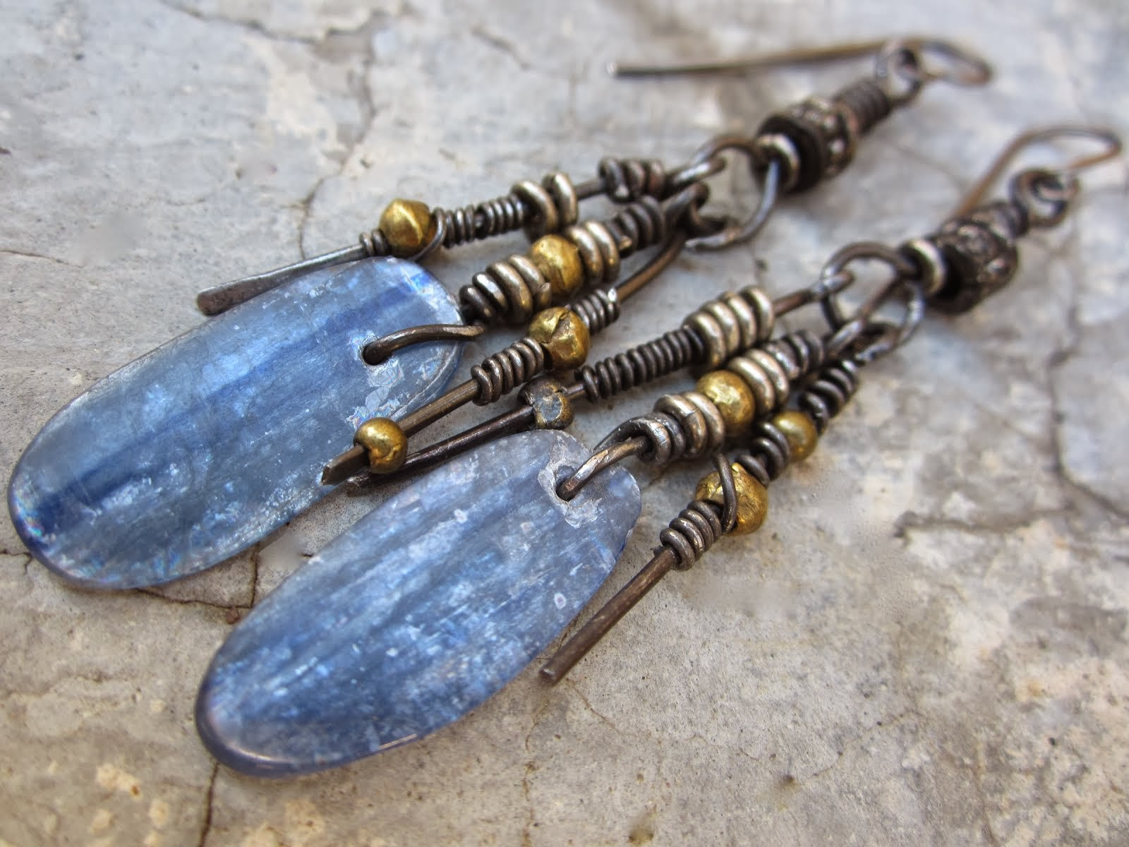 kyanite spears