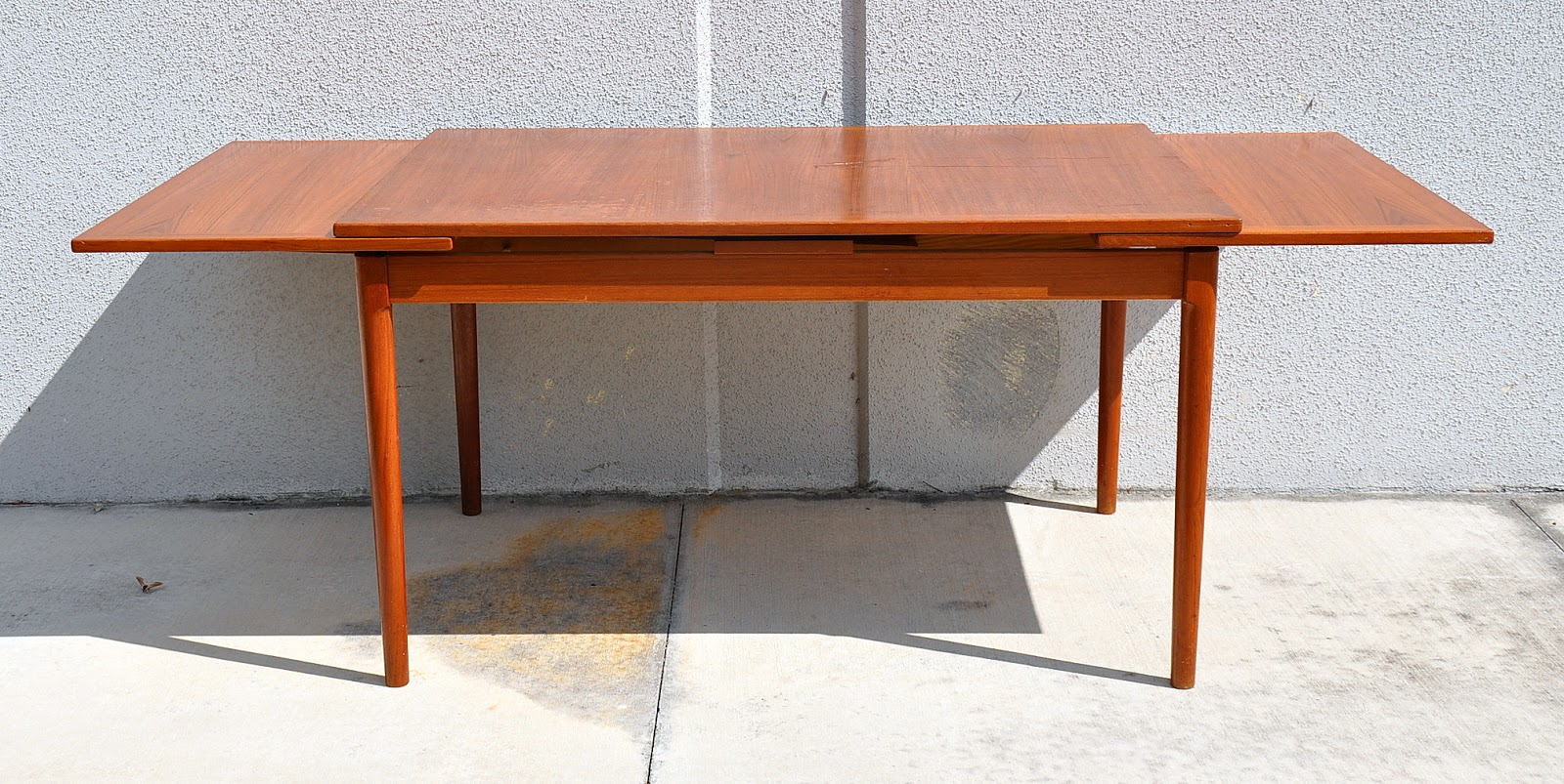 Monday November 5. Kardiel Audrey Midcentury Modern Dining Table ...
