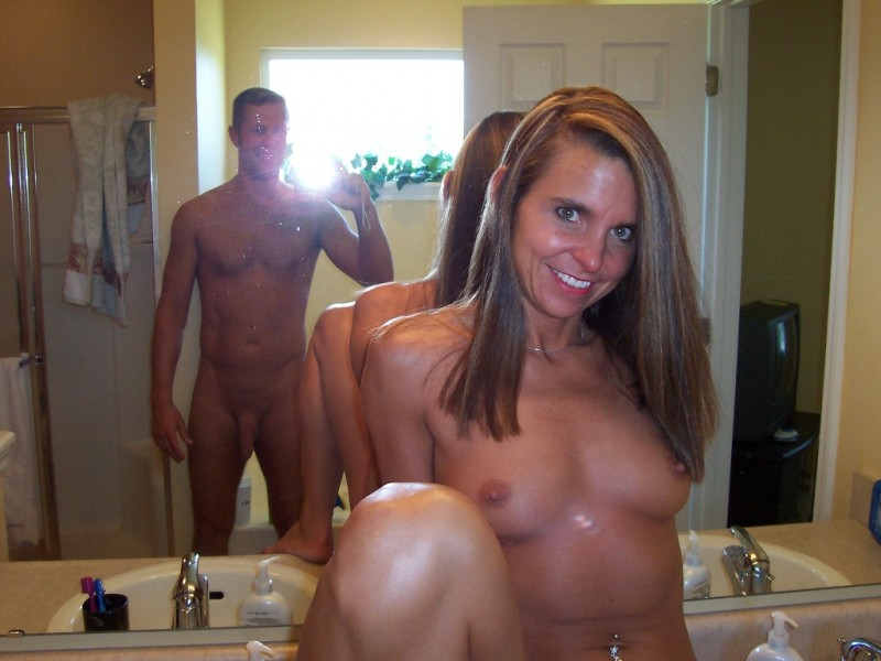 amateur_facebook_nude_naked_pics_horny_couple_boobs_big_dick_hotel.jpg: banned-facebook-pics.blogspot.com/2011_04_01_archive.html