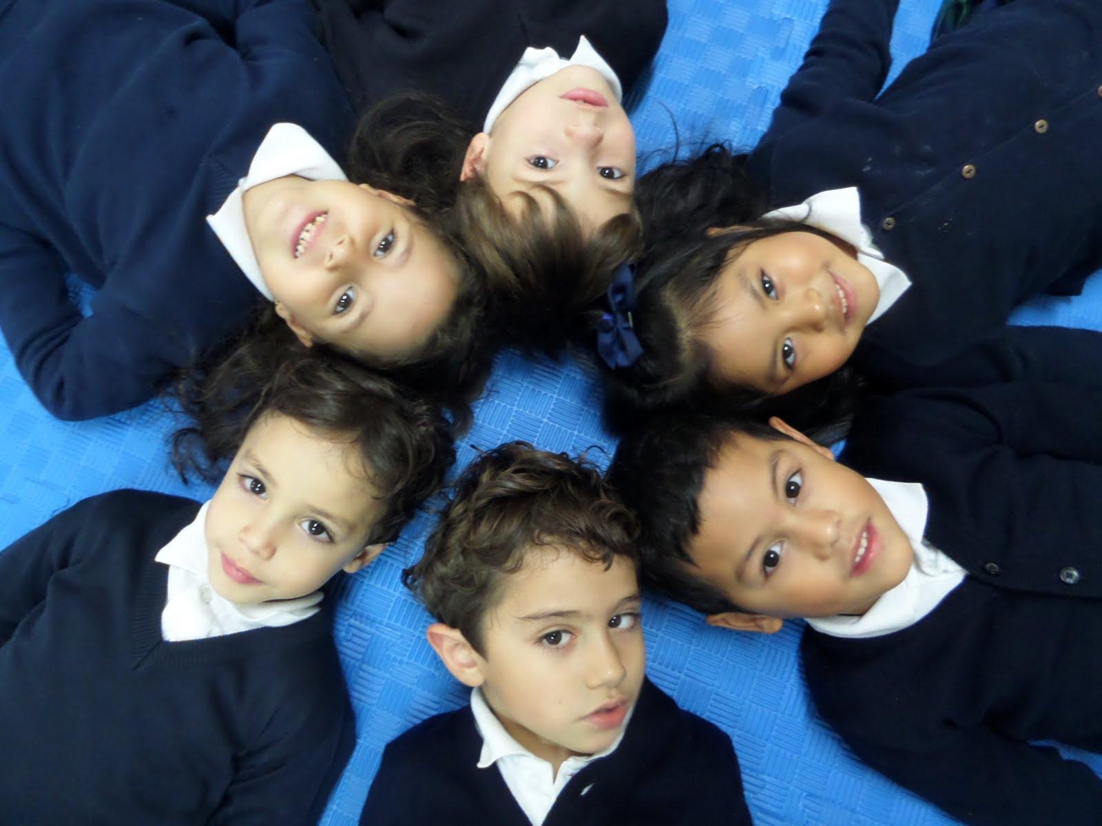 Raúl, Adrián, Omar, Aya, Nico, Andrea.