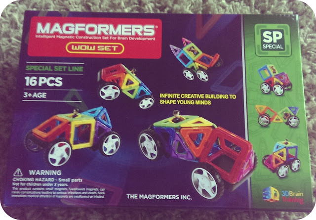 Building with Magformers