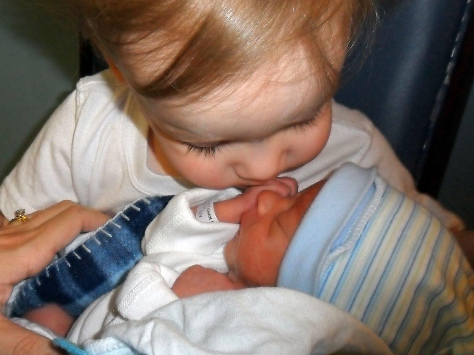 брат с сестрой в первый секс раз фото
