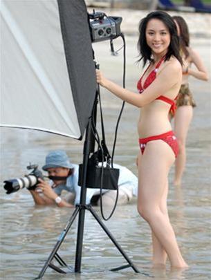 duong truong thien ly sexy bikini photos 02