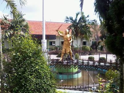 Patung Gajah Mada Klaten
