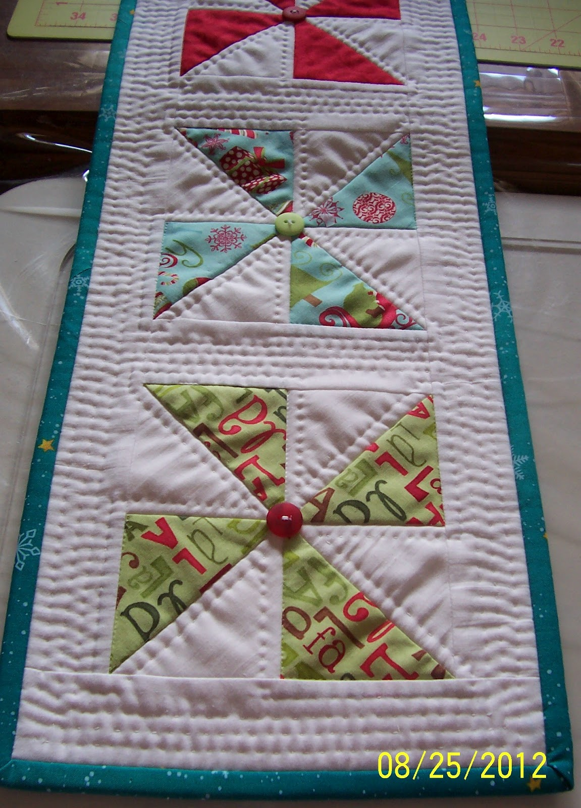 Free Quilt Patterns Table Runners Download : Colleen s Quilting Journey: Free Pattern - Holiday Pinwheel Table Runner