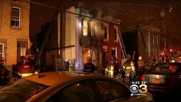 Pregnant mom runs into burning home to save child; both die