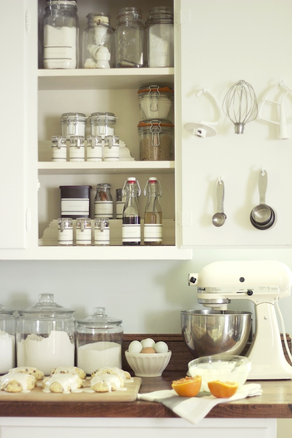 Jenny steffens hobick baking pantry in a cabinet for Ideas organizing kitchen cabinets
