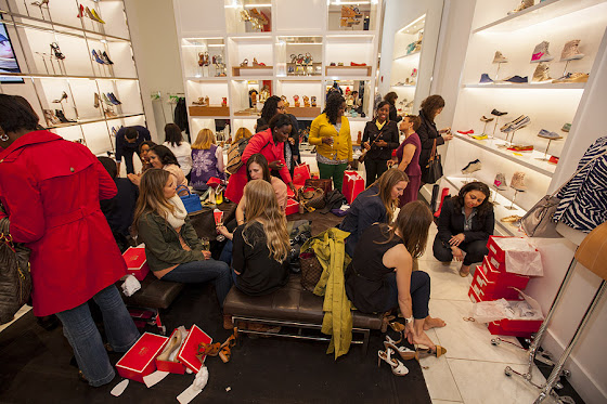 Fashion Junkies shop to support STEP UP WOMEN'S NETWORK