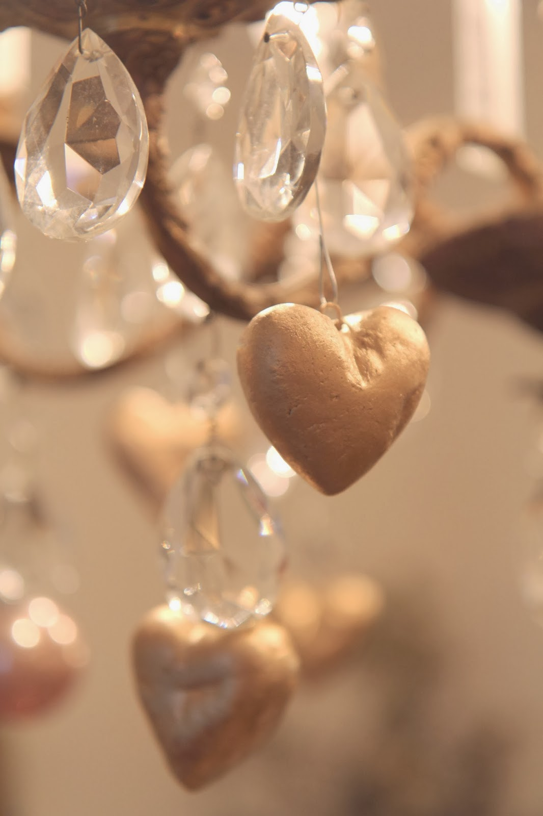 Gold Heart Ornaments for Valentine's Day Home Decor