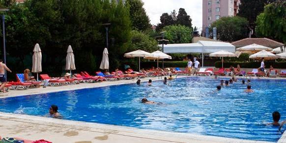 İstanbul'un En İyi Yüzme Havuzları / Dalyan Club Havuz