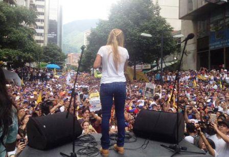 Lilian Tintori, esposa del dirigente Leopoldo López, condenado a 13 años y nueve meses de prisión