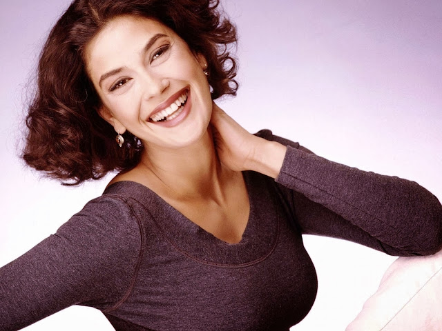 Teri Hatcher Wallpapers Free Download