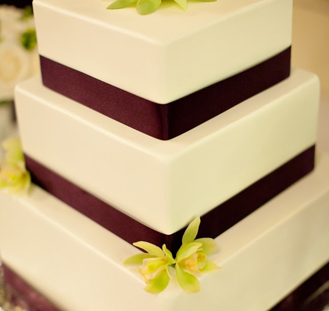 A Cherry-Flavored Kind of Weird: A real fake wedding cake: Part 1