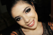 Posted by All About Beauty, Fashion and Inspiration at 11:04 PM (an easy prom smokey eye makeup look )
