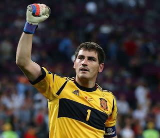 Casillas está a punto de ser leyenda con España