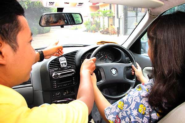 Belajar stir mobil