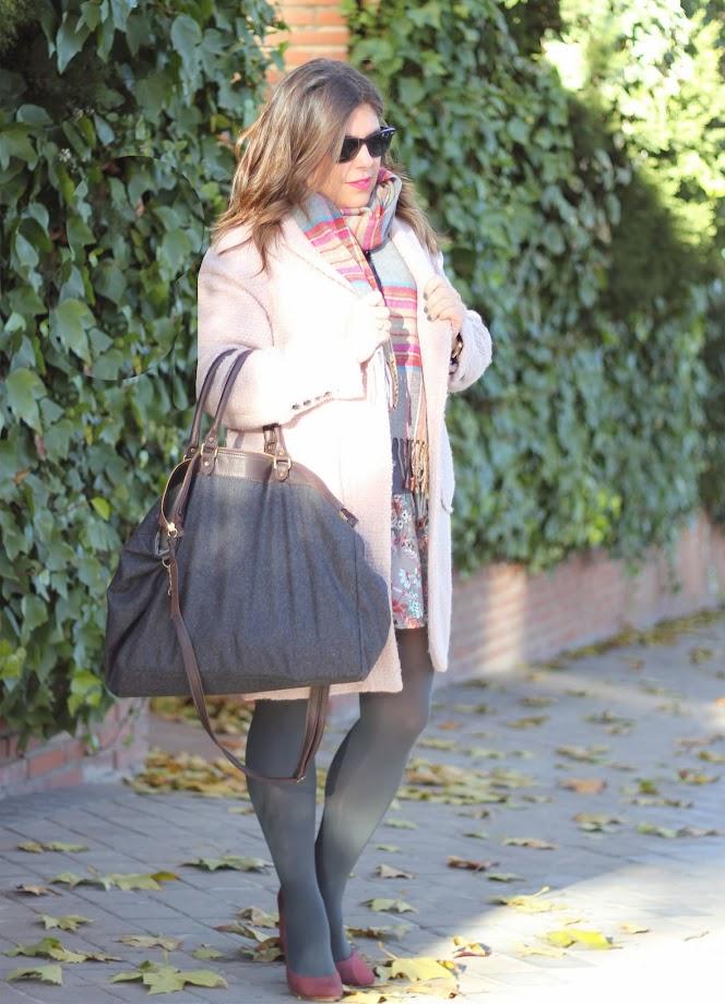 pink coat look street style